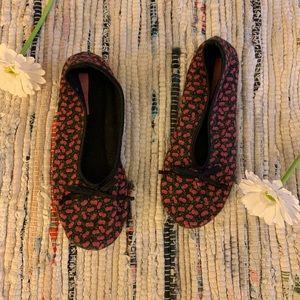 Isaac mizrahi floral ballerina slipper